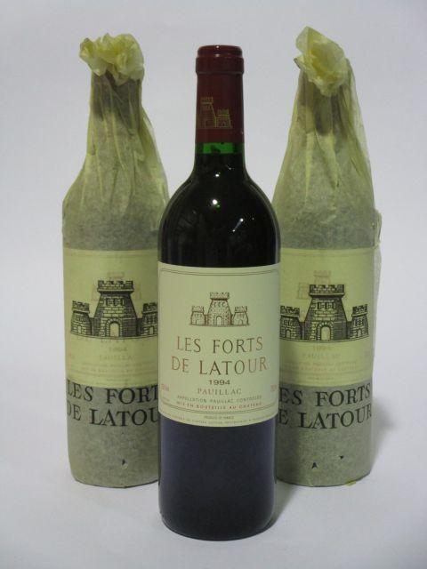 3 bouteilles LES FORTS DE LATOUR 1994 Pauillac  (cave 6)