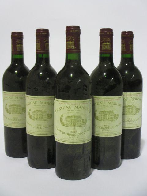 5 bouteilles CHÂTEAU MARGAUX 1992 1er GC Margaux (étiquettes fanées et tachées) (cave 6)
