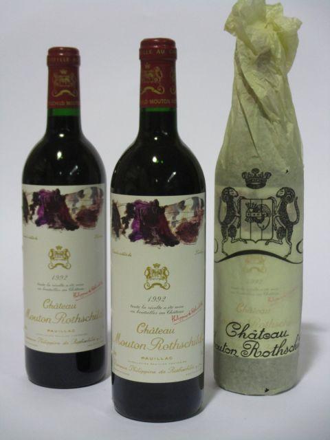 6 bouteilles CHÂTEAU MOUTON ROTHSCHILD 1992 1er GC Pauillac  (cave 6)