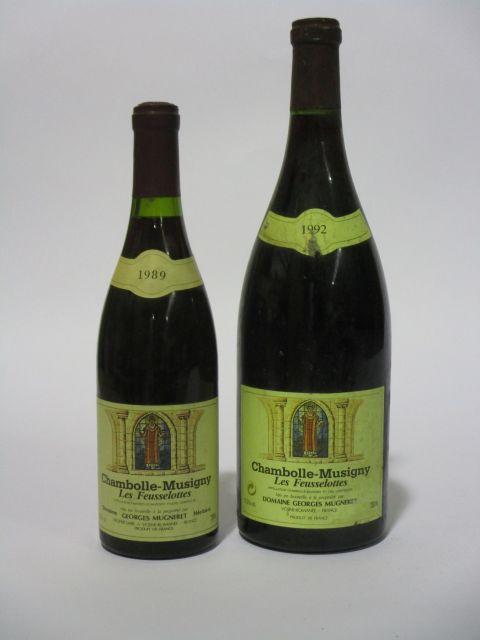 2 flacons 1 bt : CHAMBOLLE MUSIGNY 1989 1er cru Les Feusselottes. Domaine Georges Mugneret (étiquette fanée, tachée et léger déchirée)