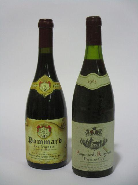 12 bouteilles 6 bts : POMMARD 1985 1er cru Rugiens. Domaine Michel Pont & ses enfants (étiquettes tachées)