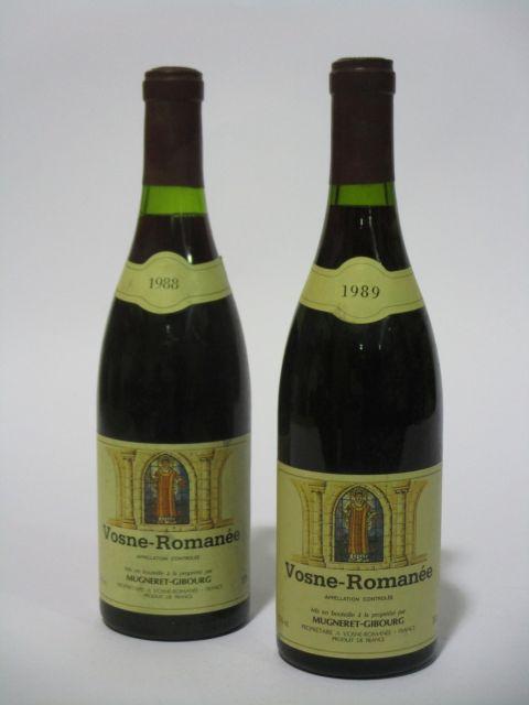 10 bouteilles 6 bts : VOSNE ROMANEE 1988 Domaine Mugneret-Gibourg (étiquettes fanées)