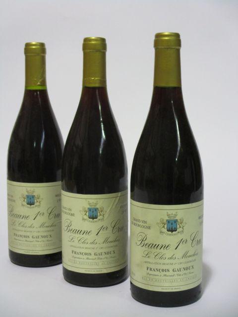 12 bouteilles BEAUNE 1990 1er cru Le Clos des Mouches