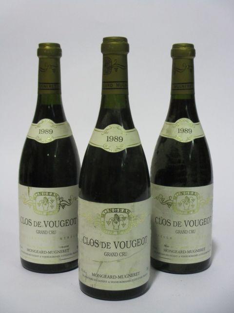 3 bouteilles CLOS DE VOUGEOT 1989 Grand Cru