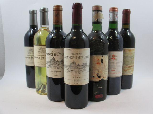 7 bouteilles  1 bt : CHÂTEAU LARRIVET HAUT BRION 2006 CC Pessac Léognan 1 bt : LES DEMOISELLES DE  LARRIVET HAUT BRION 2011 CC Pes...