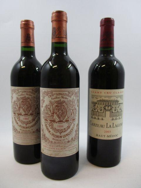 3 bouteilles 2 bts : CHÂTEAU PICHON LONGUEVILLE BARON 1994 2è GC Pauillac (étiquettes léger tachées)