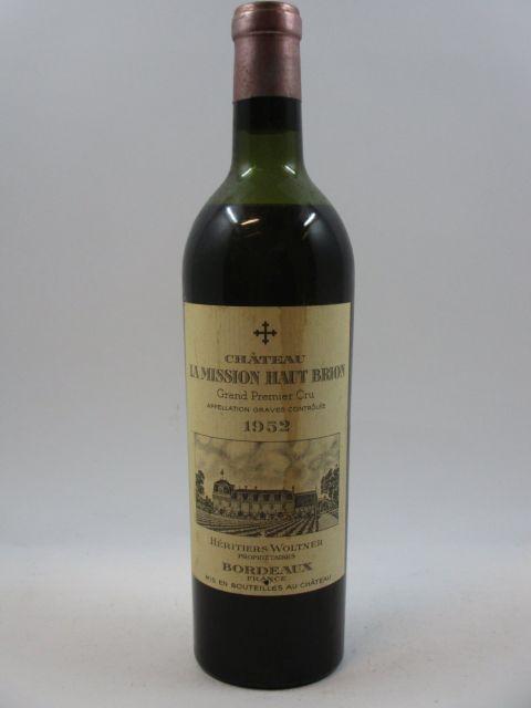 1 bouteille CHÂTEAU LA MISSION HAUT BRION 1952 CC Pessac Léognan (mi épaule