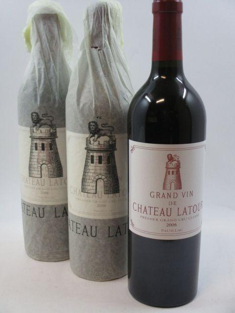 6 bouteilles CHÂTEAU LATOUR 2006 1er GC Pauillac Caisse bois d'origine (cave 2)