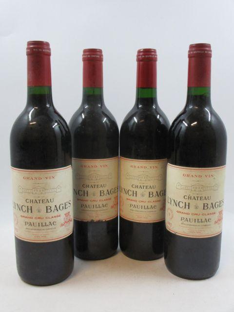 4 bouteilles CHÂTEAU LYNCH BAGES 1992 5è GC Pauillac (étiquettes abimées et légèrement déchirées)