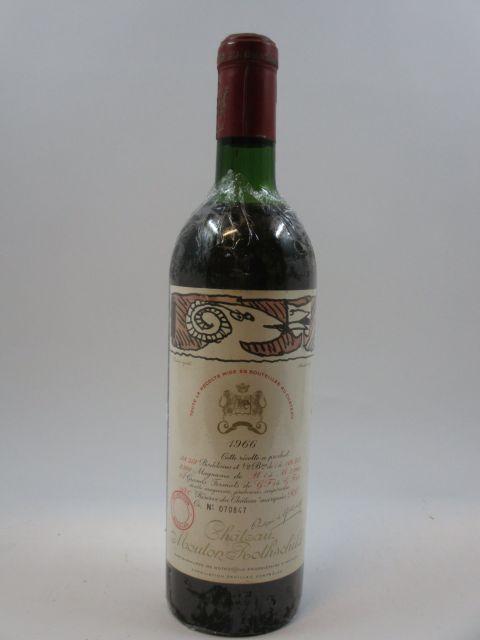 1 bouteille CHÂTEAU MOUTON ROTHSCHILD 1966 1er GC Pauillac (haute épaule