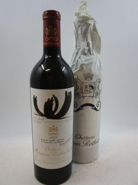 9 bouteilles CHÂTEAU MOUTON ROTHSCHILD 2007 1er GC Pauillac