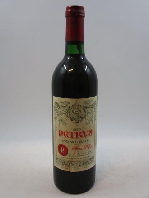 1 bouteille PETRUS 1985 Pomerol (base goulot
