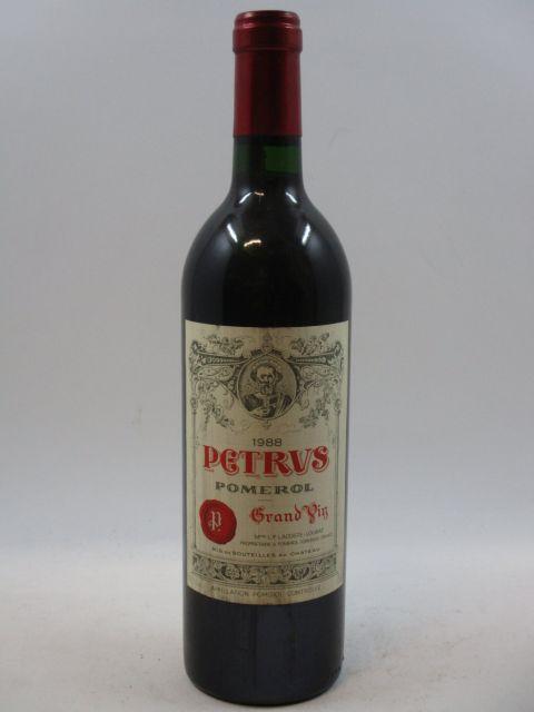1 bouteille PETRUS 1988 Pomerol (étiquette léger tachée