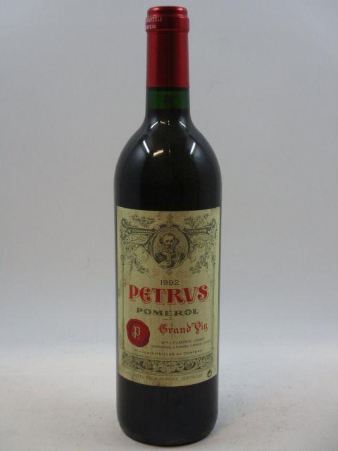 1 bouteille PETRUS 1992 Pomerol (étiquette léger tachée) (cave 7)