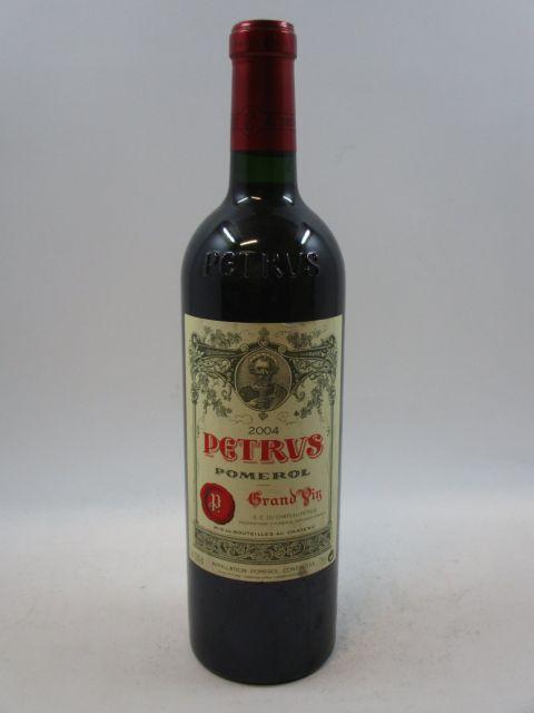 1 bouteille PETRUS 2004 Pomerol (étiquette léger tachée) (cave 7)