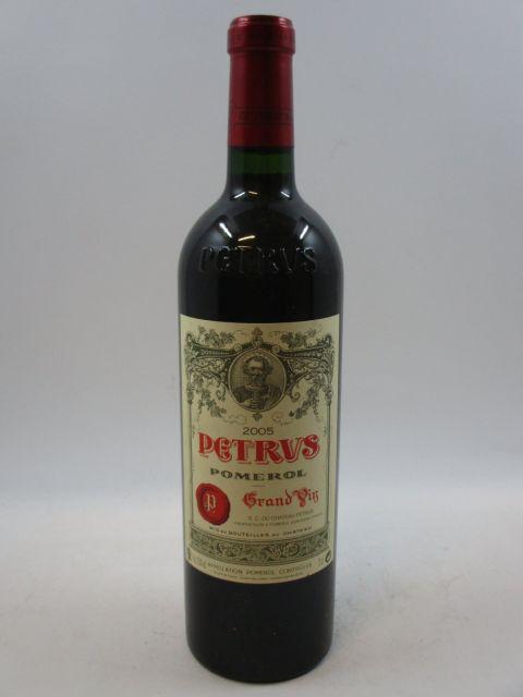 1 bouteille PETRUS 2005 Pomerol  (cave 7)
