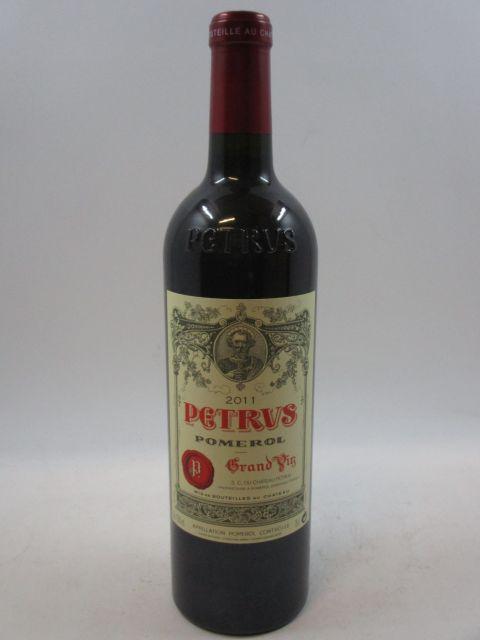 1 bouteille PETRUS 2011 Pomerol  (cave 7)