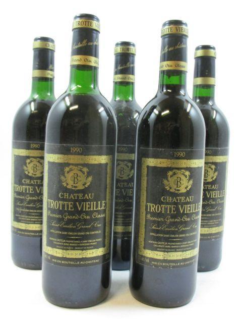5 bouteilles CHÂTEAU TROTTEVIEILLE 1990 1er GCC (B) Saint Emilion (1 base goulot