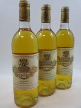 3 bouteilles CHÂTEAU COUTET 1986 1er cru Barsac (niveau légèrement bas, capsules et étiquettes abimées)