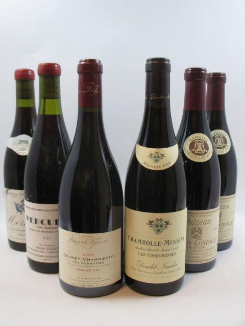 8 bouteilles 1 bt : CORTON GRANCEY 2008 Grand Cru. Louis Latour 1 bt : GEVREY CHAMBERTIN 2007 1er cru Combottes. François Feuille...