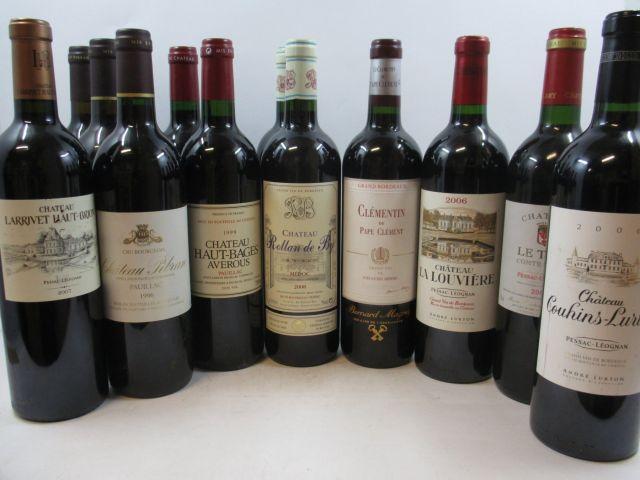 12 bouteilles  1 bt : CHÂTEAU HAUT BAGES AVEROUS 1997 Pauillac 1 bt : CHÂTEAU HAUT BAGES AVEROUS 1999 Pauillac 1 bt : CHÂTEAU PI...