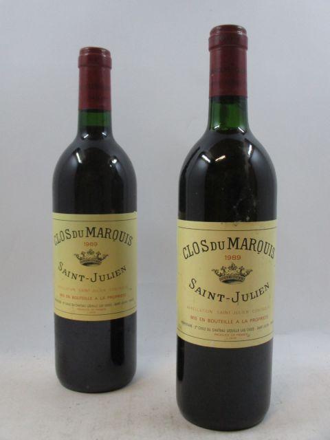 12 bouteilles  CLOS DU MARQUIS 1989 Saint Julien  (étiquettes légèrement abimées. 1 légèrement bas, 2 base goulot) (cave 3)
