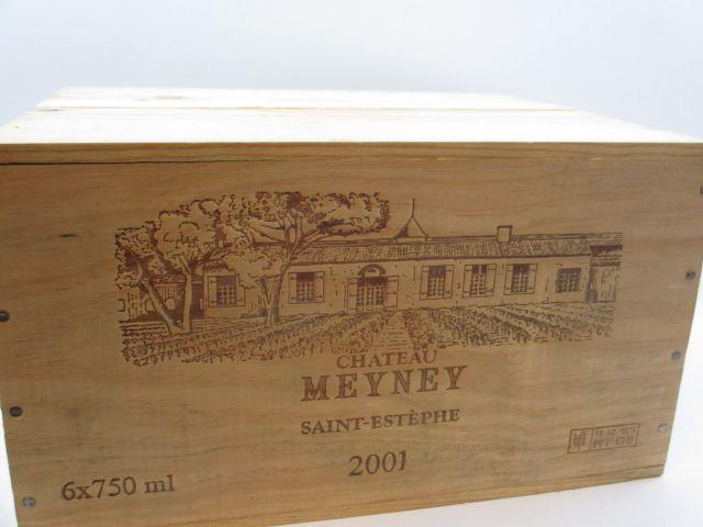 6 bouteilles CHÂTEAU MEYNEY 2001 Saint Estèphe Caisse bois d'origine (cave 12)