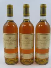 3 bouteilles CHÂTEAU D'YQUEM 1976 1er cru Supérieur Sauternes (étiquettes abimées, bouchons lègèrement enfoncé, capsules abimées sur..