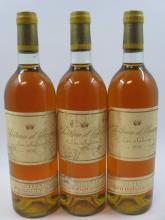 3 bouteilles CHÂTEAU D'YQUEM 1976 1er cru Supérieur Sauternes (étiquettes abimées et décollées, 1 bouchon léger enfoncé) (cave 6)