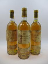 3 bouteilles CHÂTEAU D'YQUEM 1980 1er cru Supérieur Sauternes (2 base goulot, étiquettes très abimées, déchirées et décollées, 2 cap..