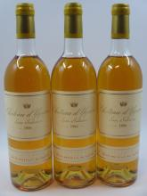 3 bouteilles CHÂTEAU D'YQUEM 1986 1er cru Supérieur Sauternes (2 légèrement bas, 1 haute épaule, 2 bouchons légèrement poussés. 1 ca..