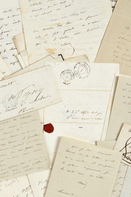 Marie d''AGOULT 1805-1876 Réunion de quatre-vingt-cinq lettres et billets autographes signés à Alfred de Vigny