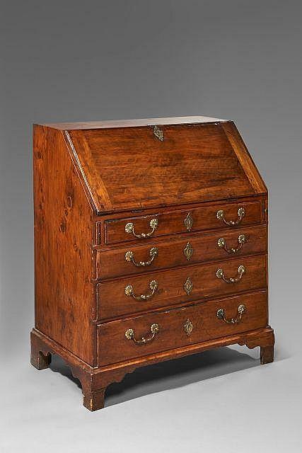Bureau de pente, travail provincial du XVIIIe siècle