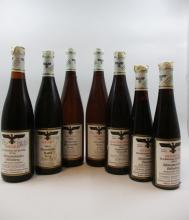 7 flacons 2 demi bts : Allemagne - EISWEIN BEERENAUSLESE 1981 Assmannshauler Hollen derg. Vervaltung der stautsweinguter (blanc dou...
