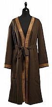 HERMES SPORT Paris Pardessus en cachemire marron et garniture en agneau camel et métal plaqué or, deux poches ouvertes de chaque c...