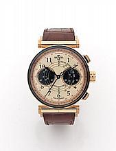 ARCADIA Vers 2000 Chronographe bracelet en or rose. Boîtier rond. Fond saphir. Anses mobiles or rose. Cadran crème avec deux com...