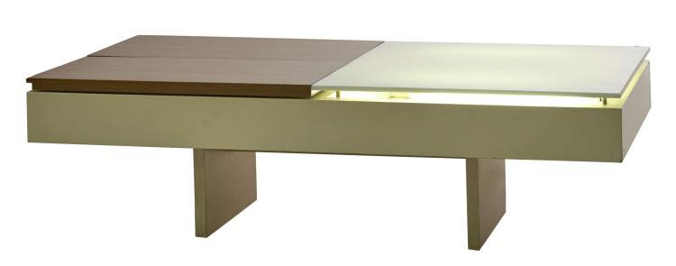 Joseph André MOTTE (Né en 1925) Table lumineuse - Circa 1959 Structure en bois laqué crème, plateau en opaline et bois découvrant de...