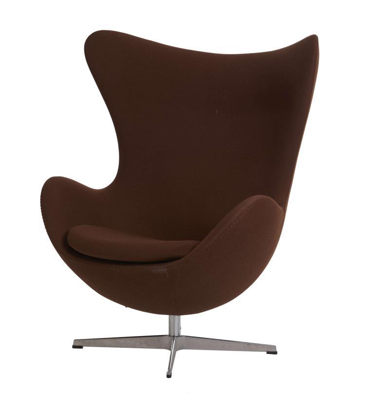 arne jacobsen 1902 1971 fauteuil dit egg chair. Black Bedroom Furniture Sets. Home Design Ideas