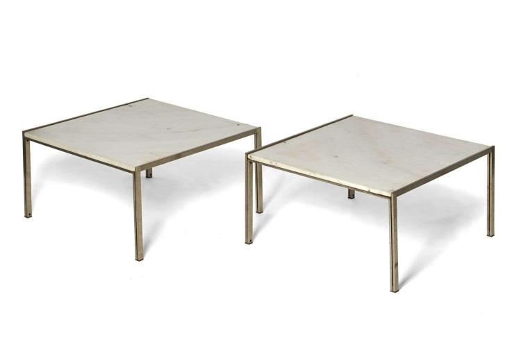 Ross LITTELL (1924-2000) Paire de tables basses - Circa 1970 Piètement et structure en acier brossé, plateau en marbre blanc et gris