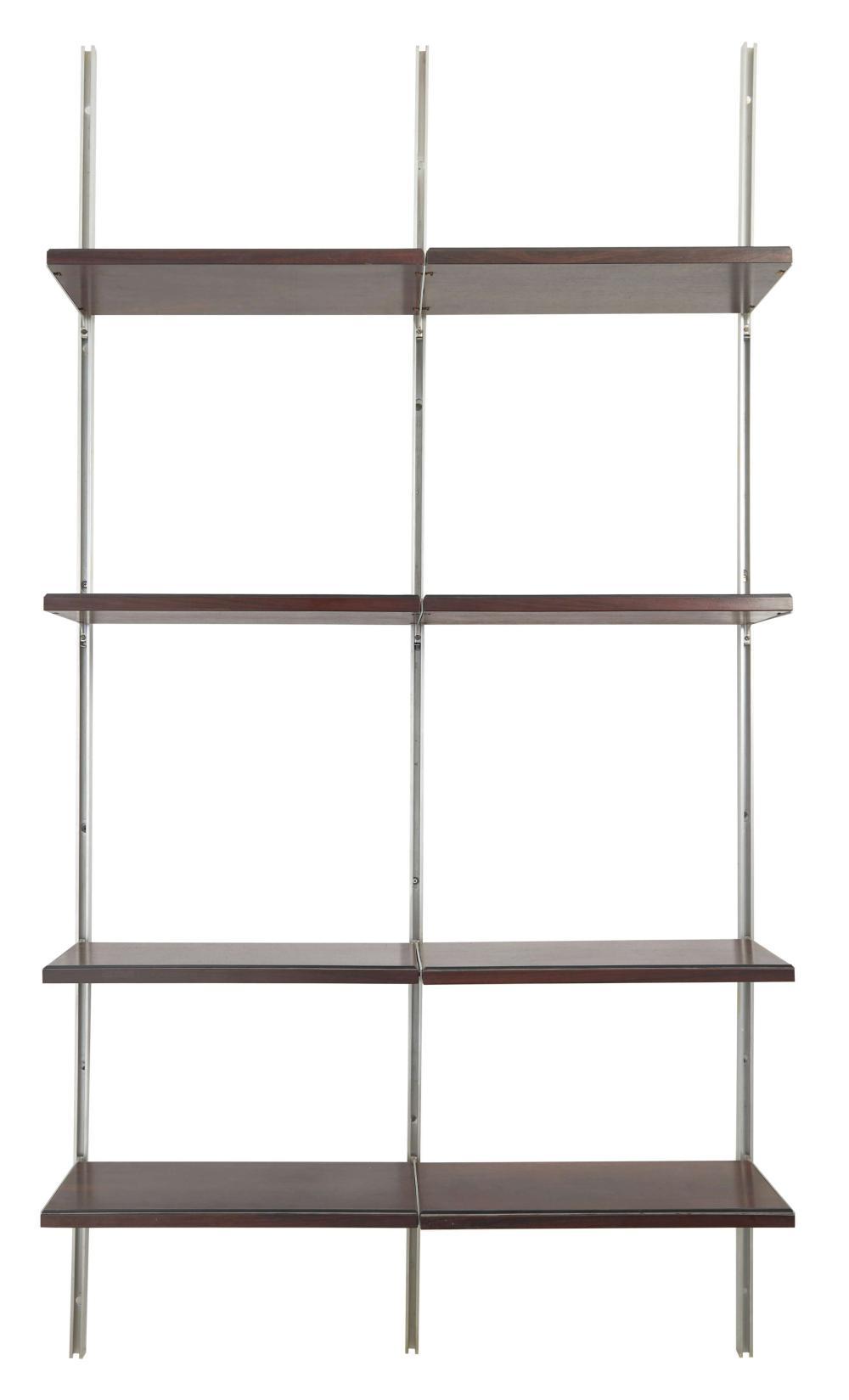 Osvaldo BORSANI (1911-1985) Bibliothèque mod. E 22 - Création 1951 Structure en aluminium, étagères en bois