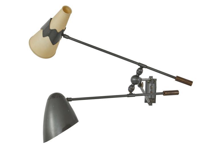 TRAVAIL INDUSTRIEL Applique à deux bras Métal laqué gris et diffuseur en plastique