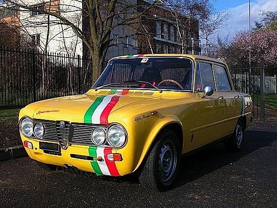 ALFA GIULIA NUOVA SUPER 1300 -1975 # 11509 0031189 Moteur 2 l préparé 150 ch, grosse révision 2009, calandre et phares neu...