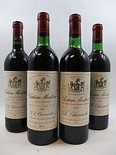 4 bouteilles 2 bts : CHÂTEAU MONTROSE 1975 2è GC Saint Estèphe (1 base goulot, 1 léger bas, étiquettes abimées, donr 1 capsule léger dé