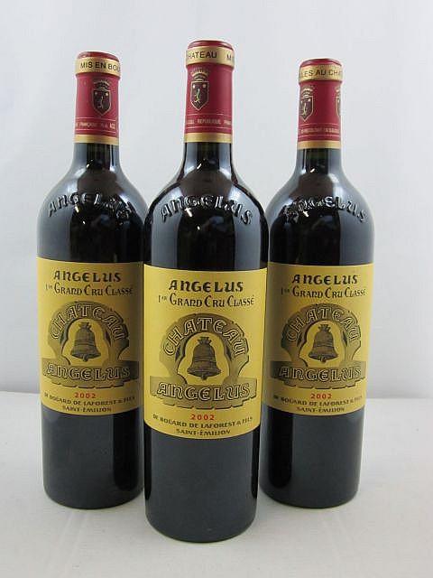 3 bouteilles CHÂTEAU ANGELUS 2002 1er GCC (A) Saint Emilion