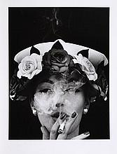 William KLEIN (Né en 1929) Woman with hat + 5 roses, Paris , 1956 (Vogue) Tirage argentique postérieur