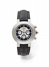 CHAUMET Vers 2000 Chronographe bracelet en acier. Boîtier rond, fond saphir. Cadran deux tons bleu et crème guilloché avec 3 com...