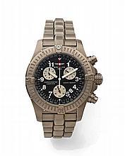 BREITLING AVENGER vers 2008 Beau chronographe bracelet en titane. Boîtier rond, couronne et fond vissés. Lunette tournante. Cadr...