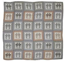 HERMÈS  Châle SHINY BRIDES Mousseline de soie rebrodée de perlines et sequins D'après le dessin