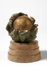Anita TULLIO (née en 1935) Sans titre Sculpture en bronze à patine dorée et verte