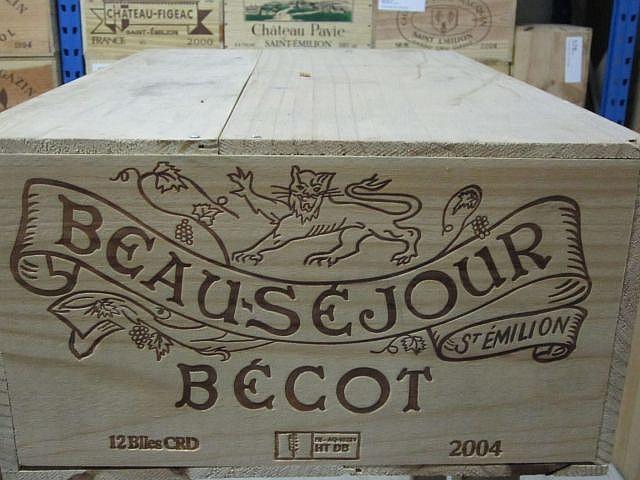 12 bouteilles CHÂTEAU BEAU SEJOUR BECOT 2004 1er GCC (B) Saint Emilion Caisse bois d'origine